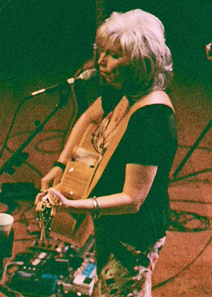 Emmylou Harris Photo by TVS