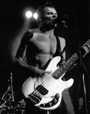 Flea, Red Hot Chili Peppers 1991 by TVS