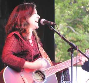 Liz Barnez 2008 by TVS